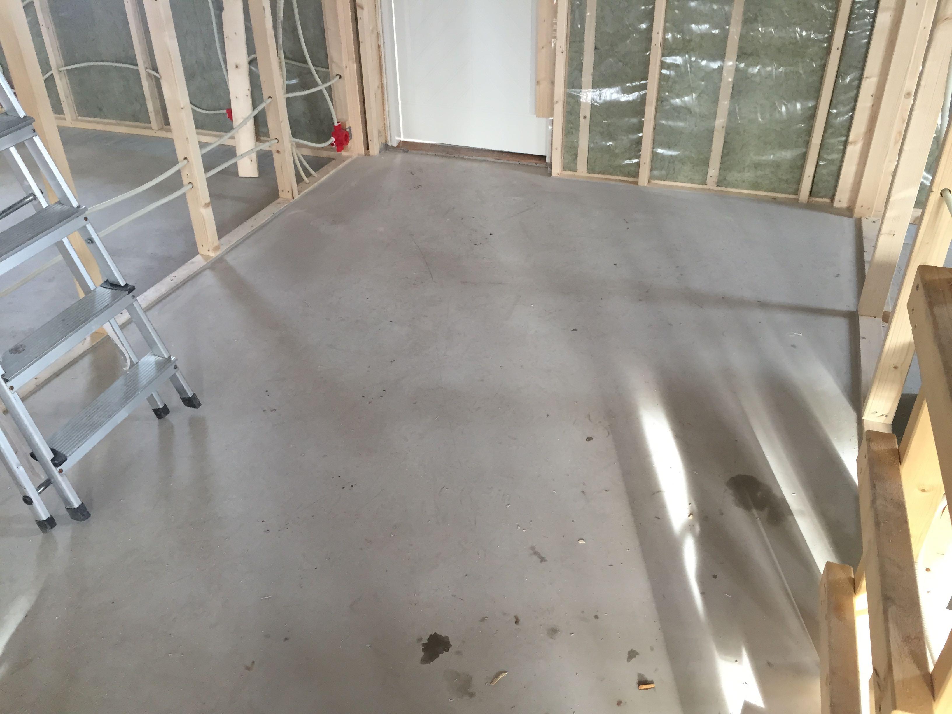 Ferdig gulv i gang